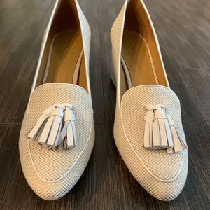 Brand new, never worn Tory Burch Tassel Block Heel